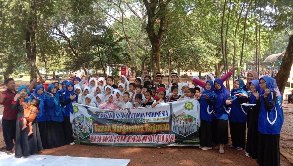 Wisata edukasi Yayasan Insan Mutiara Indonesia bersama adik-adik yatim binaan di Taman Marga satwa Ragunan 12 juli 2019